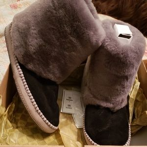 Ugg Kestrel Shearling Boots/Slippers